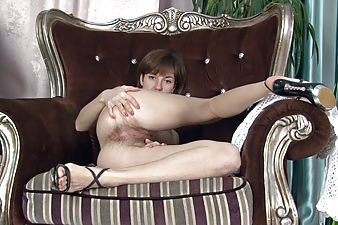 Sasha K is done with chores so she spreads her pussy