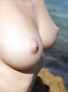 Olesya has killer tits and loves fun