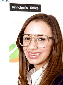 Nerdy teen in glasses Jean Taylor fucks her teacher in class