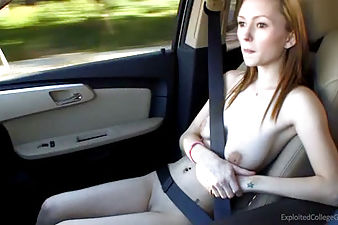 Kimberlli gets fucked in the car