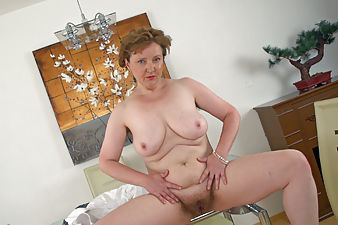 Romana Sweet loves being a hairy attendant