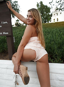 Leggy blonde coed Blair Williams has a bomb ass ass