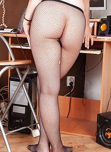 Hairy secretary Nikki Heat stripping after work