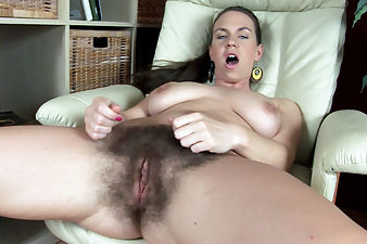 Erin Eden spreads her hairy snatch for you