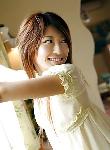 Yu Santome cute teen model shows off her hot body in pictures