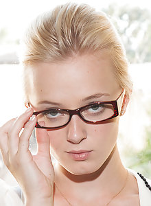 Kenze Thomas looking sexy as fuck in her glasses