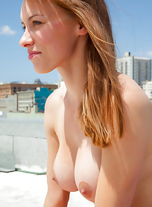 Jessica has a perfect body and nice big tits she wants to show you