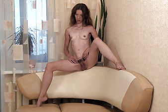 Natural girl Aivyha rubs her gorgeous hairy pussy