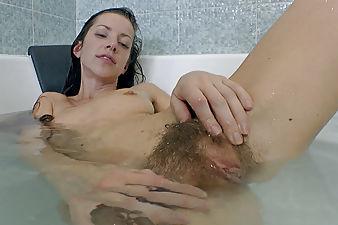 Ryisya takes a bath and enjoys herself so well