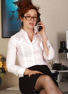 Nerdy MILF Fiona gets horny at work