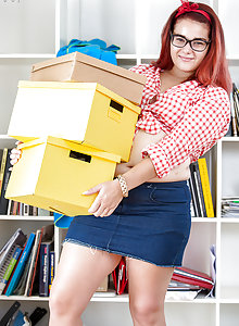 Redhead chubby girl Leticia wearing glasses in her first naked set
