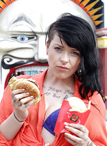 Quinn loves greasy hamburgers, salty fries and light retro panties. Wandering the streets aimlessly with a handful of burger, she's looking for a place to get down and masturbate!