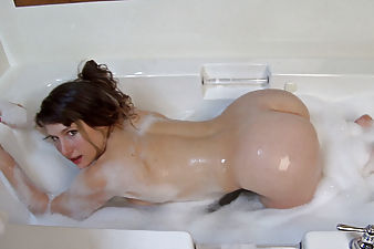 Bath time fun with the all natural Felicia F