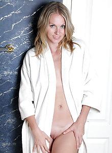 Lara Elaine