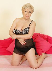 Hot Blonde Grandma From AllOver30