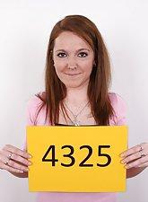 Redhead amateur Barbora casting shots